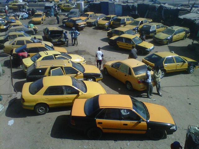 Taxis jaunes et noirs de Dakar, Sénégal (Crédit photo : Stéphane Huët)